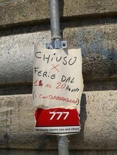 """Il contrabbandiere avvisa i clienti: """"Chiuso per ferie"""" - 1 di 1 - Napoli - Repubblica.it"""