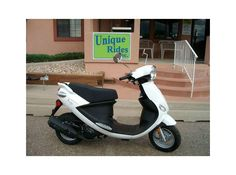 Get top deals on Used #Genuine 2012 Buddy 150 #Scooters available at Unique Rides dealer for $ 1895 in CO, USA. This used Buddy 50 is very clean with only 350 miles on it. It has underseat storage, 12 volt plug, side and center kick stands and electric and kick start. This is a great chance to buy one that is slightly used for a low price. If you're interested to buy, then don't waste your time any ware please contact us at:http://goo.gl/gVjT30