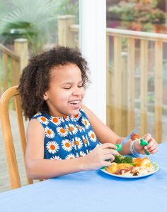 Let's remove the stress at mealtimes so we can all have more fun. #nanasmanners #fun #mealtimes #sunday #roastdinner bit.ly/childrenscutlery