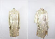 60er Jahre Vintage Ivory Brokat Kleid und von VintageFrocksOfFancy