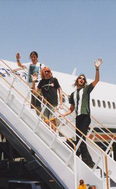 Dave Grohl, Kurt Cobain and Krist Novoselic #Nirvana - February 1992