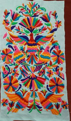 Bordado otomi Mexican Embroidery, Embroidery Art, Embroidery Patterns, Art Deco Tattoo, Mexican Pattern, Batik Art, Floral Drawing, Arts And Crafts, Diy Crafts