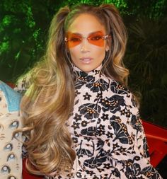 Jennifer Lopez Avoids These 3 Things to Look (and Feel) Young Hip Hop Girl, Ghetto Fabulous, Hip Hop Fashion, Style Fashion, Beautiful Long Hair, Hair Looks, Jennifer Lopez, Girl Crushes, Blonde Hair