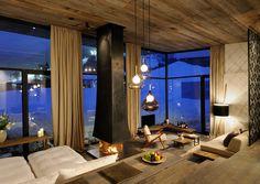 Martina und Sepp Kröll leben auf ihrem Wiesergut in Salzburg ihren chillig-durchgestylten Hoteltraum. Und freuen sich über alle Gäste, die sich bei ihnen zu Hause fühlen.