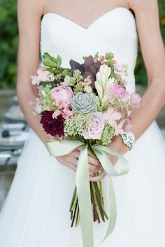 bouquet by Pollen, photo by Melissa Hayes Photography