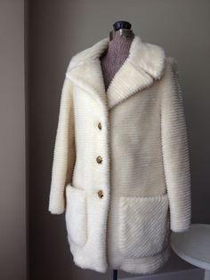 Vintage White Stag Faux Fur Ivory Color Coat - http://www.fur.me.uk/vintage-white-stag-faux-fur-ivory-color-coat.html