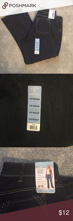 NWT Riders by Lee Jeans NWT Riders by Lee Jeans, Mid-Rise, Boot Cut, Regular Hip and Thigh. Instantly Slimming. Lee Jeans Boot Cut