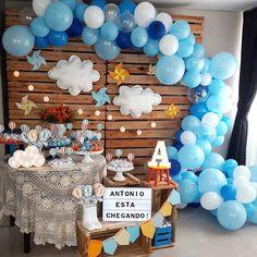 Baby shower fofo Decor @arteiras_emfesta - O Antonio nem chegou ainda e já estamos morrendo de amores festa linda pra comemorar sua chegada! #festapersonalizada #festacomamor #festacomafeto #chadebebe #festahomemade @ #amaislindafesta #festalinda #decoracaoinfantil #aniversariodecrianca #party #festainfantil #kidsparties #minitable #miniparty #babyshower #babyboy #baby #maternidade #maternity #gravidez