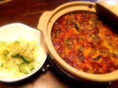 冷やご飯が余っていて新鮮なゴーヤとピーマンをいただいたので。 - 1件のもぐもぐ - ゴーヤとピーマンとジャガイモのカレードリアとキャベツと胡瓜の中華サラダ by toki69