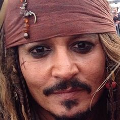 Aye, aye Captain ,,, spook handsome as always John Depp, Beautiful Men, Beautiful People, Black Widow Marvel, Captain Jack Sparrow, Thick And Thin, Pirates Of The Caribbean, Favorite Person, Good Movies
