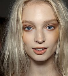 20 Problems Every Pale Girl Faces | Dailymakeover