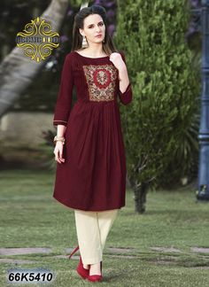 Buy online sarees, salwar kameez and designer kurtis with pure quality fabric and at manufacturer rates. Stylish Dresses, Simple Dresses, Casual Dresses, Indian Designer Outfits, Designer Dresses, Designer Kurtis, Frock Fashion, Fashion Dresses, Dresses For Pregnant Women