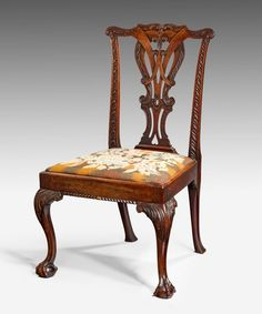 An Irish Georgian carved mahogany side chair : The British Antique Dealers' Association