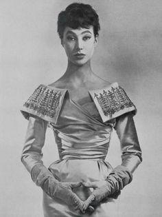 Ensemble by Nina Ricci, 1954