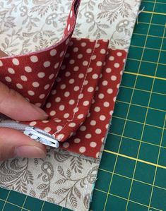 DIY accordian wallet Tutorial Ideas Step-by-Step Diy Wallet No Sew, Diy Wallet Pattern, Diy Wallet Tutorial, Coin Purse Tutorial, Zipper Pouch Tutorial, Fabric Wallet, Diy Tutorial, Tote Pattern, Bag Patterns To Sew