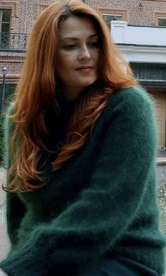 Thick Sweaters, Cardigan Sweaters For Women, Sweater Outfits, Fluffy Sweater, Angora Sweater, Gros Pull Mohair, Redhead Girl, Lingerie, Long Hair Styles