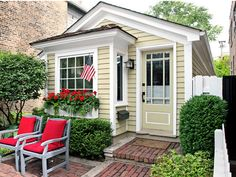 It's hard to believe this quaint 780-square-foot historic cottage sits in the middle of a bustling metropolis.