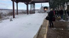 ❝ Por qué no es buena idea ponerse a grabar con el móvil ese tren que entra en una estación llena de nieve ❞ ↪ Vía: Entretenimiento y Noticias de Tecnología en proZesa