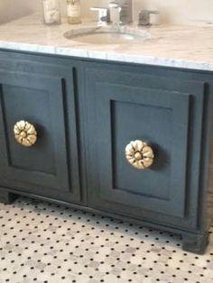 Useful Walk-in Shower Design Ideas For Smaller Bathrooms – Home Dcorz Small Furniture, Furniture Decor, Painted Furniture, Diy Bathroom Decor, Small Bathroom, Bathroom Ideas, Bathrooms, Relaxing Bathroom, Bathroom Inspiration