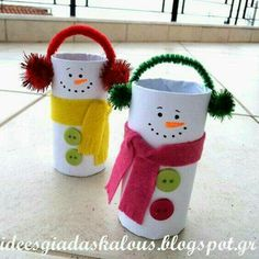 Christmas Crafts for Kids - Toilet Paper Roll Christmas Crafts. Kids will love making these for Christmas! Perfect for preschool or kindergarten classes too. Easy Christmas Craft for Kids. Christmas Activities, Christmas Crafts For Kids, Christmas Projects, Kids Christmas, Holiday Crafts, Kids Crafts, Toddler Crafts, Preschool Crafts, Preschool Kindergarten