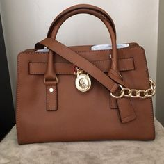 ISO MK Hamilton East West (Medium) Handbag In the Luggage color or Navy & White Striped. Really want it...looking for every good condition! Please help me find this (Pictures are not mine...just using to show what I'm looking for and the condition...from Poshmark) MICHAEL Michael Kors Bags