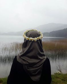 hijab and muslim Hijab Niqab, Muslim Hijab, Hijab Chic, Hijab Outfit, Anime Muslim, Hijabi Girl, Girl Hijab, Hijab Styles, Muslim Girls