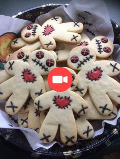 Voodoo Doll Cookies @ Not Quite Nigella Halloween Voodoo Doll CookiesYou can find Dolls and more on our website.Voodoo Doll Cookies @ Not Quite Nigella Halloween Voodoo Doll Cookies Bolo Halloween, Dessert Halloween, Halloween Goodies, Halloween Food For Party, Holidays Halloween, Spooky Halloween, Halloween Season, Scary Halloween Cookies, Halloween 2019