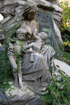 A beautiful cemetery statue of a young nursing mother with her children who apparently died before her time slowly, but gracefully, becoming covered in delicate ivy. (Cemitério na Recolleta / Recoleta Cemetery, Argentina). Cemetery Monuments, Cemetery Statues, Cemetery Headstones, Old Cemeteries, Cemetery Art, Graveyards, Recoleta Cemetery, Breastfeeding Art, Cemetery Angels