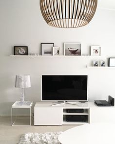 The IKEA Kallax line Storage furniture is an important part of any home. They provide obtain and assist you to keep track. Elegant and wonderfully easy the shelf Kallax from Ikea , for example. Frosta Ikea, Ikea Kallax, Ikea Hemnes Tv Stand, Shelf Above Tv, Decor Around Tv, Ikea Tv, Home Budget, Flat Ideas, Home And Living