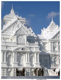 Sapporo Snow Festival- This looks amazing! I want to go!!