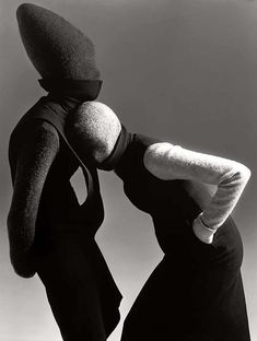 Carmen Kass and Audrey Marnay | Ph Richard Avedon | Hussien Chalayan | 1998