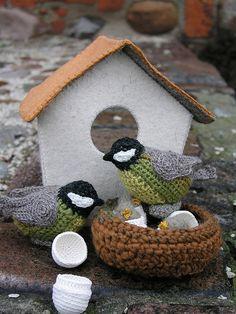 crochet bird and nest