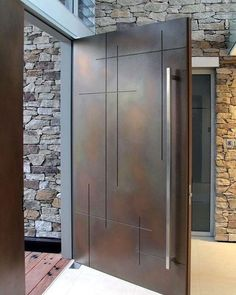 Современная входная дверь