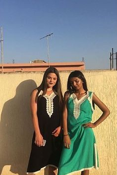 Arab Girls, Best Friend Goals, Prom Dresses, Formal Dresses, Girl Photography, Cute Couples, Besties, Hair Beauty, Beautiful Women