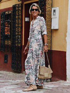 Sleeve Flowers Printed Maxi Shirt Dress - flower S 60 Fashion, Over 50 Womens Fashion, Fashion Over 40, Fashion Outfits, Cute Maxi Dress, Maxi Shirt Dress, Stylish Older Women, Dress Outfits, Casual Dresses