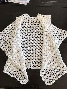 Ravelry: Project Gallery for Mesh Vest pattern by Doris Chan Crochet Vest Pattern, Crochet Cape, Crochet Shirt, Crochet Cross, Crochet Motif, Knit Crochet, Crochet Patterns, Crochet Edgings, Shawl Patterns