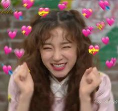 kpop yuqi g idle heart Meme Faces, Funny Faces, Fandom Kpop, Heart Meme, Cute Love Memes, Blackpink Memes, Cute Disney Wallpaper, Bts Wallpaper, Girl Photo Poses