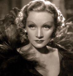 Marlene Dietrich 1930'S.