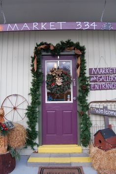 This store in Cumming, Ga showcases and sells all sort of great handmade crafts from local artists. A must visit.