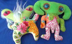 Dupla de Dodôs, Delfina Reis  #dolls #art #delfinareis  #oneofakind  #softsculpture #dodotoyart  #toyart Dodô & Dadá Toy Art  #softies #soft sculpture #artdolls #toys #dodos&dadas #dodos #dada  #doll