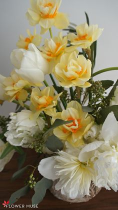 Daffodils, Tulips, Spring Wedding Inspiration, White Springs, Spring Wedding Flowers, Flower Centerpieces, Muse, Easy Diy, Wedding Planning