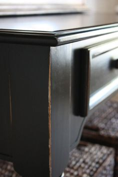 Beautiful Black Finish Tutorial that looks like the Pottery Barn style.