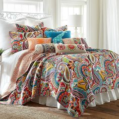Make your bed the eye-catching focal point of your bedroom with the Levtex Home Sakari Reversible Quilt Set. Boasting a bold and colorful fun paisley and floral pattern, the vibrant bedding is a lively addition to any room's decor. Cama King, King Quilt Sets, Queen Quilt, King Pillows, Quilt Bedding, Twin Quilt, Paisley Bedding, Chic Bedding, Boho Bedding