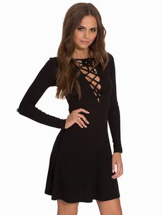 Lace Up Shift Dress - Nly Trend - Musta - Juhlamekot - Vaatteet - Nainen - Nelly.com