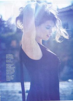 Model Robyn Lawley appears in the newest issue ofCosmopolitan UK photograhed by Mark Andrew.