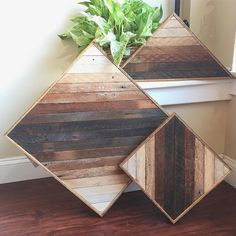 🌾🌾Pretty stoked on this mini collection of ombré pieces!🌾🌾You can find these in my or on Hertel Ave! Reclaimed Wood Wall Art, Rustic Wood Walls, Wood Wall Decor, Wooden Wall Art, Wooden Decor, Diy Wall Art, Wooden Diy, Wood Art, Diy Wood Projects