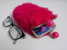 This gorgeous Glasses case handmade from Luxuriously SOFT furry nylon blend yarn and lined with 100% cotton fabric. Sewed with great care on to bubble clasp metal frame, therefore interior stitches are unseen! (no glue used).