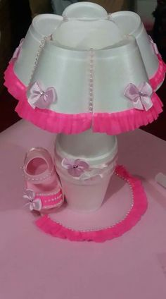 Baby Shower Recuerdos Souvenirs Diy Ideas For 2019 - ., Baby Shower Recuerdos Souvenirs Diy Ideas For 2019 – …, Cup Crafts, Diy And Crafts, Crafts For Kids, Baby Shower Centerpieces, Baby Shower Decorations, Diaper Bouquet, Baby Shower Souvenirs, Baby Shower Crafts, Plastic Bottle Crafts