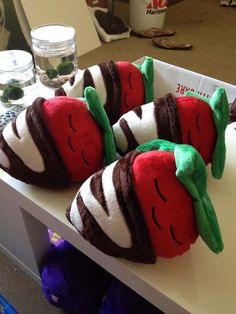 """""""sweet dreams"""" sleeping strawberry plushies with chocolate drizzle blankets - by KimchiKawaii"""