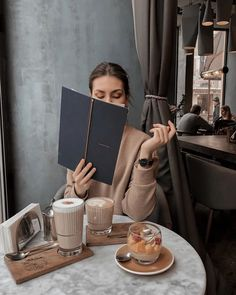 Classy Aesthetic, Beige Aesthetic, Aesthetic Art, Office Girl, Style Board, Head Scarf Styles, Expensive Taste, Shooting Photo, Coffee Photography